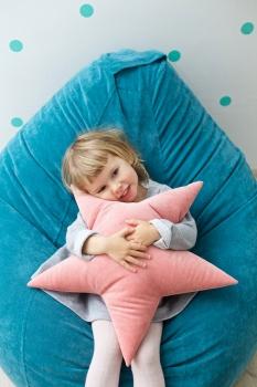 Подушка звезда Malina Velvet малиновая