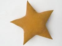 Подушка звезда Mustard Velvet горчичная