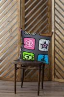 Декоративная подушка iPhone
