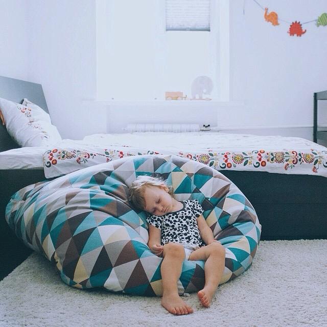 как расслабиться если в комнате спит ребенок нужно рассматривать